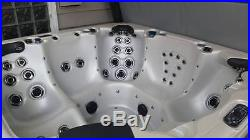 6-person Luxury Hot Tub MAAX Collection