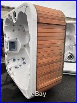 Coast Spa Hot Tub For Sale -Beautiful Spa