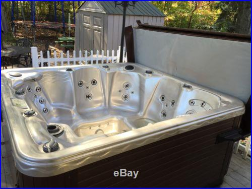 Emerald Spa Hot tub
