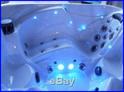 HOT TUB SPA 2017 HIGH END QUALITY! WICKED COOL STYLING! $9000 value! Bath sauna