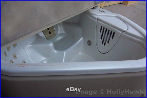 High End Two Person Jacuzzi Hot Tub by Solana with Cover