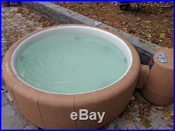 Hot Tub 2mths old