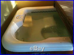 Hot tub- quality Hot Springs 97 Jetsetter