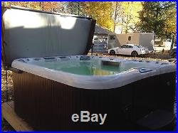 Sundance Aspen 8 Person Hot Tub